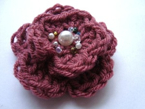 cro flower w beads 0115