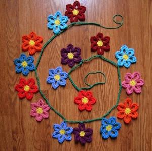 cro spring garland 0315